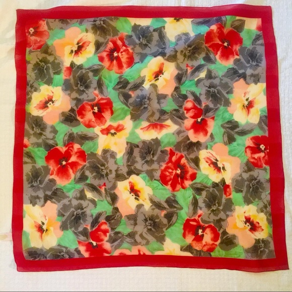 """f4a9aadf1c2 Berkshire silken polyester Italy Roses Scarf 31"""""""